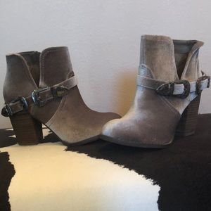 NWOT Not Rated Ankle Boots